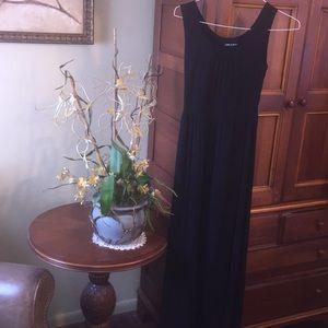Cable & Gauge Maxi Dress.   Size XS